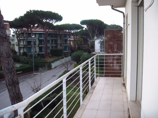 Bilocale Viareggio Via Novara 5