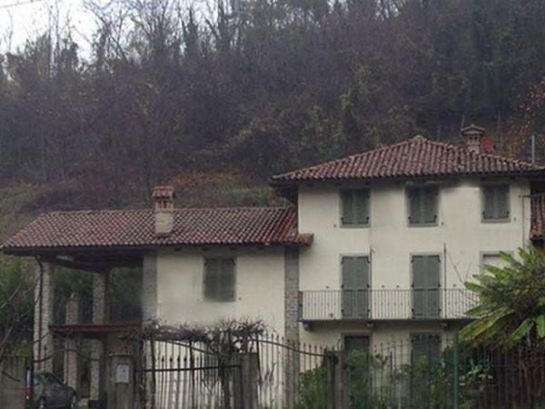 Villa in vendita a Neviglie, 5 locali, prezzo € 190.000 | Cambio Casa.it