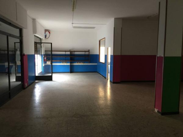Negozio / Locale in affitto a Vallecrosia, 4 locali, prezzo € 1.300 | Cambio Casa.it