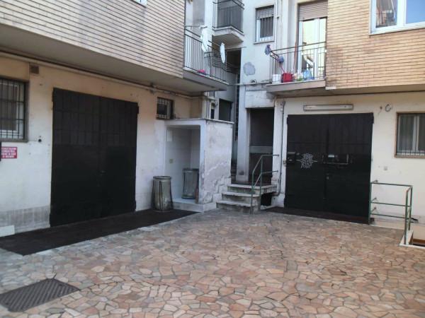 Laboratorio in affitto a Milano, 2 locali, zona Zona: 11 . Barona, Giambellino, Lorenteggio, Famagosta, prezzo € 1.000 | CambioCasa.it