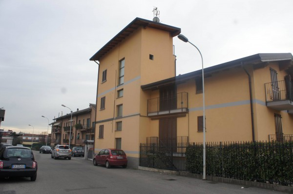 Bilocale Seregno Via Delle Grigne 2