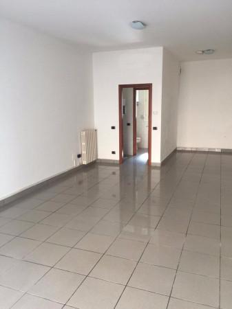 Negozio / Locale in affitto a Carpi, 1 locali, prezzo € 450 | Cambio Casa.it
