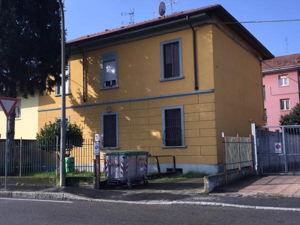Bilocale Novate Milanese Via Campo Dei Fiori 1