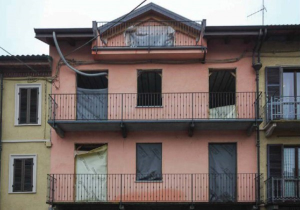 Palazzo / Stabile in Vendita a Casalborgone