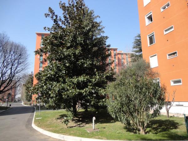 Bilocale Milano Via Val Di Bondo 5
