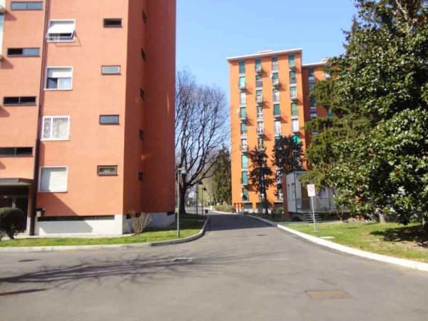 Bilocale Milano Via Val Di Bondo 6