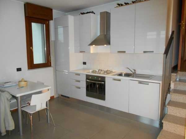 Appartamento in vendita a Bareggio, 2 locali, prezzo € 108.000 | Cambio Casa.it