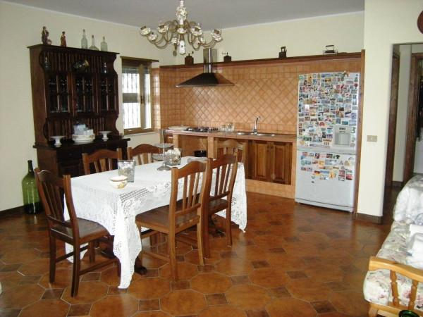 Villa in vendita a Spigno Saturnia, 6 locali, Trattative riservate | Cambio Casa.it