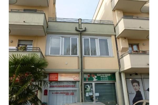 Bilocale Arcore Via Achille Grandi 2