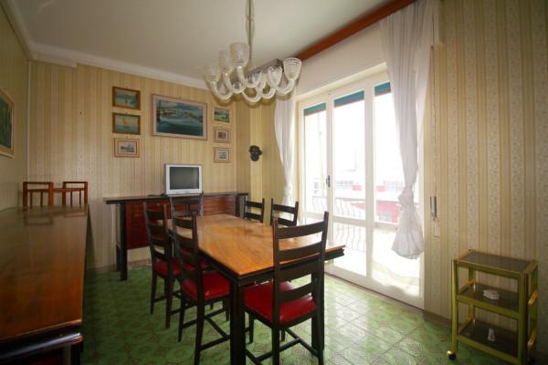 Appartamento in vendita a Lavagna, 2 locali, prezzo € 220.000 | Cambio Casa.it
