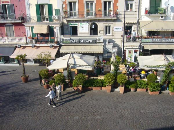 Bilocale Pozzuoli Piazza Della Repubblica 1