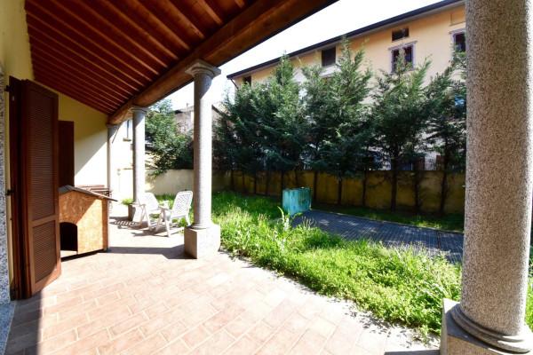 Appartamento in vendita a Lesmo, 2 locali, prezzo € 230.000 | Cambio Casa.it