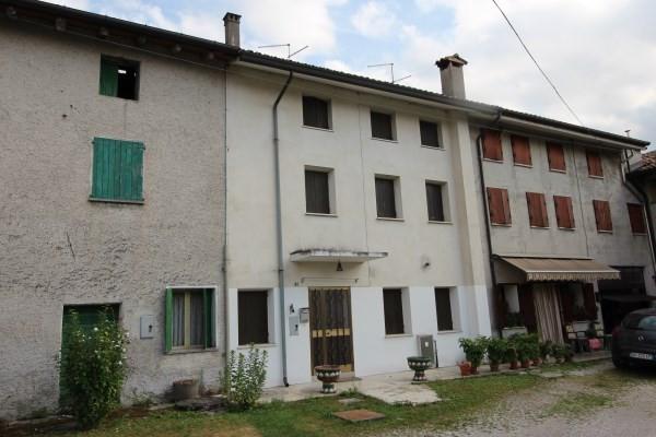 Rustico / Casale in vendita a Zoppola, 6 locali, prezzo € 90.000 | Cambio Casa.it
