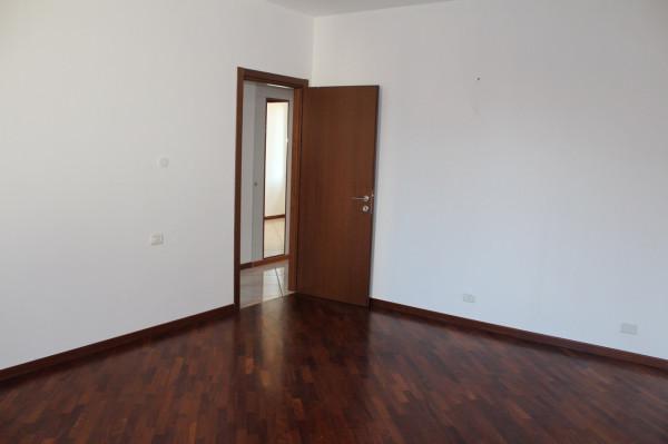 Appartamento in vendita a Codogno, 4 locali, prezzo € 245.000 | Cambio Casa.it