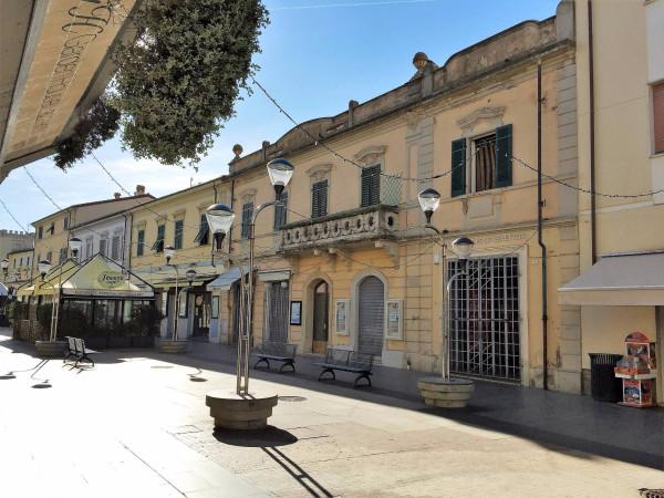 Appartamento in vendita a San Vincenzo, 5 locali, prezzo € 290.000 | Cambio Casa.it