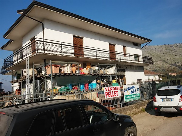 Soluzione Indipendente in vendita a Vairano Patenora, 6 locali, prezzo € 340.000 | CambioCasa.it