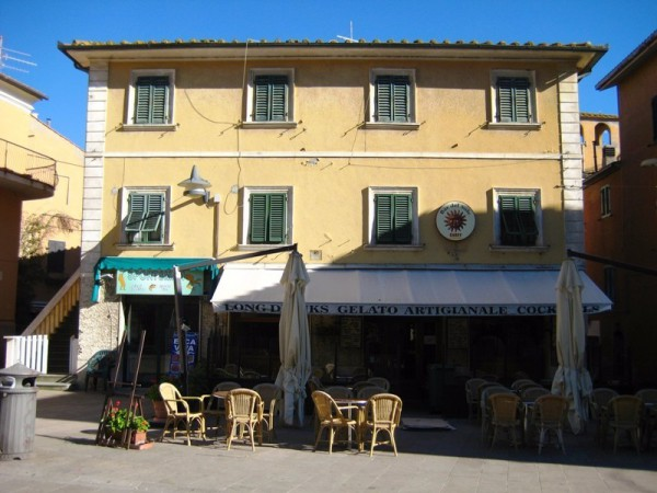 Bilocale Castiglione della Pescaia Piazza Della Repubblica 1