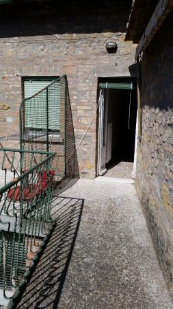 Bilocale Volterra Via San Lino 9