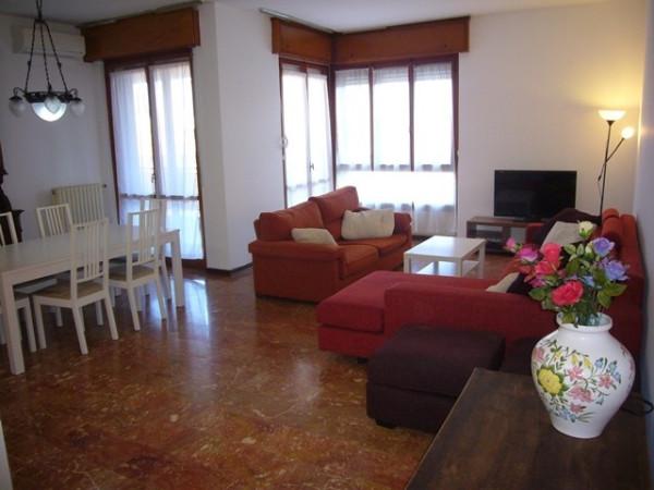 Attico / Mansarda in affitto a San Donato Milanese, 5 locali, prezzo € 2.250 | Cambio Casa.it