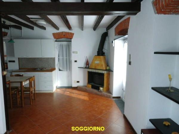 Bilocale Genova Via Angelo Olivieri 13