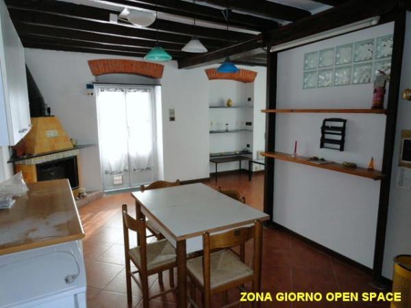 Bilocale Genova Via Angelo Olivieri 3