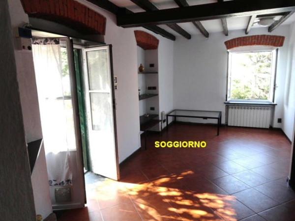 Bilocale Genova Via Angelo Olivieri 4