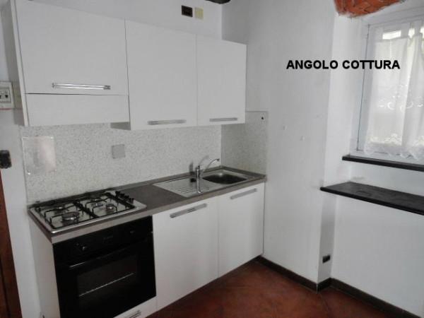 Bilocale Genova Via Angelo Olivieri 6