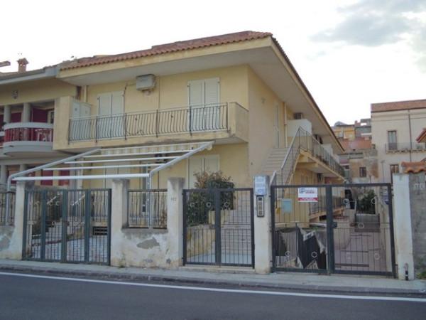 Bilocale Nizza di Sicilia Via Marina 1