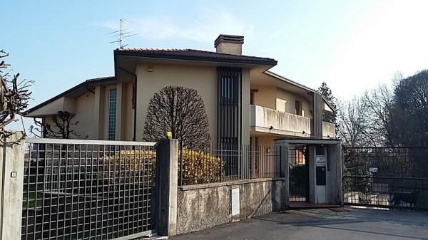 Villa in vendita a Rovato, 6 locali, Trattative riservate | Cambio Casa.it