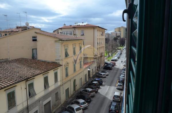 Bilocale Livorno Via Cesare Battisti 6