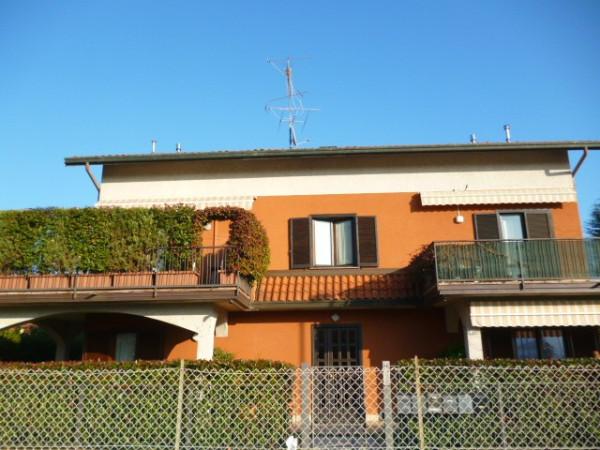 Appartamento in vendita a Cardano al Campo, 3 locali, prezzo € 149.000 | Cambio Casa.it
