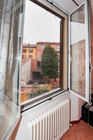 Bilocale Bologna Via Pier Dè Crescenzi 11