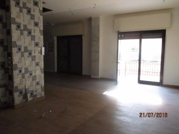 Negozio / Locale in affitto a Roccapiemonte, 1 locali, prezzo € 580 | Cambio Casa.it