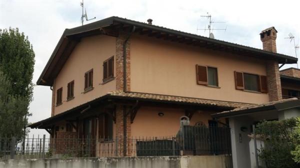 Villa a Schiera in vendita a Pieve Fissiraga, 4 locali, prezzo € 230.000   Cambio Casa.it