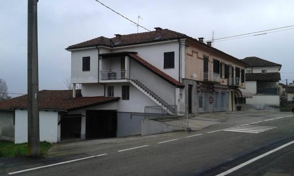 Negozio-locale in Affitto a Antignano Centro: 5 locali, 300 mq