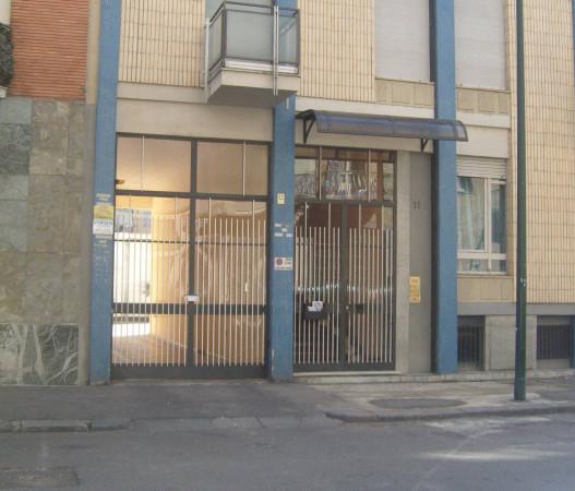 Box / Garage in vendita a Torino, 9999 locali, zona Zona: 7 . Santa Rita, prezzo € 42.000 | Cambio Casa.it