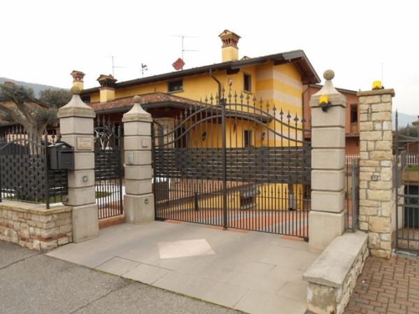 Villa in vendita a Corte Franca, 5 locali, prezzo € 325.000 | Cambio Casa.it