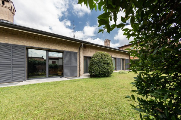 Villa in vendita a Paderno Dugnano, 5 locali, prezzo € 1.500.000 | CambioCasa.it