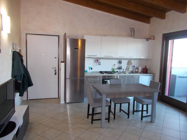 Appartamento in vendita a Fara Gera d'Adda, 2 locali, prezzo € 130.000 | Cambio Casa.it