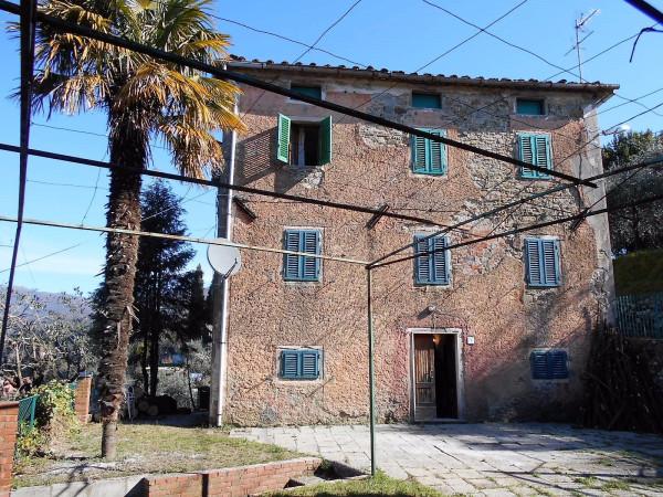 Rustico / Casale in vendita a Pescia, 5 locali, prezzo € 90.000 | Cambio Casa.it
