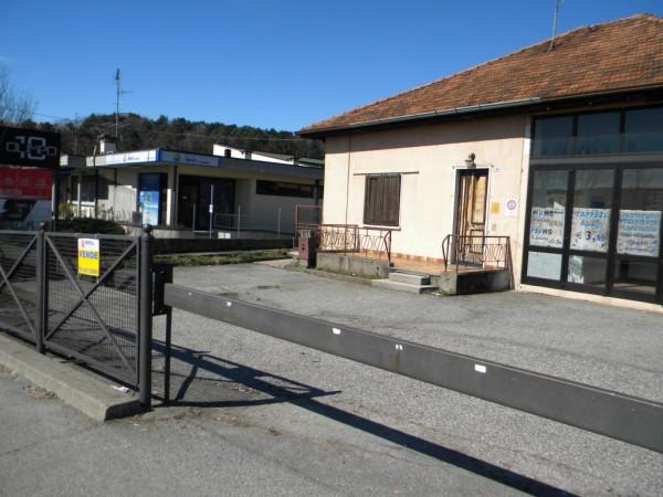 Negozio / Locale in vendita a Vergiate, 6 locali, prezzo € 278.000 | Cambio Casa.it