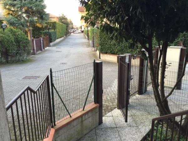 Bilocale Lainate Via Grancia 4