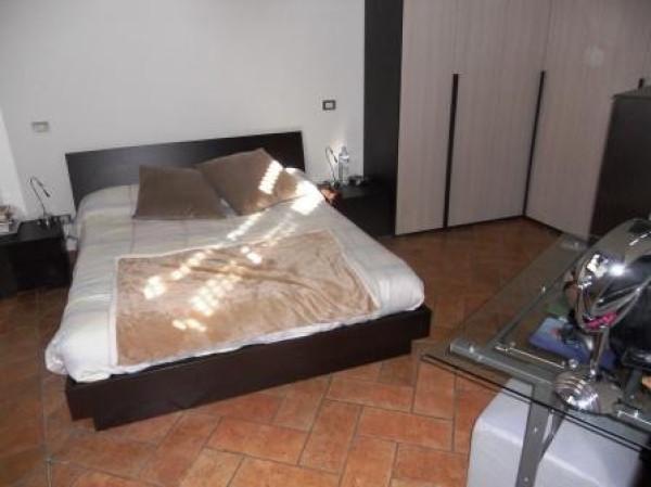 Bilocale Cesano Boscone Via Dante Alighieri 9