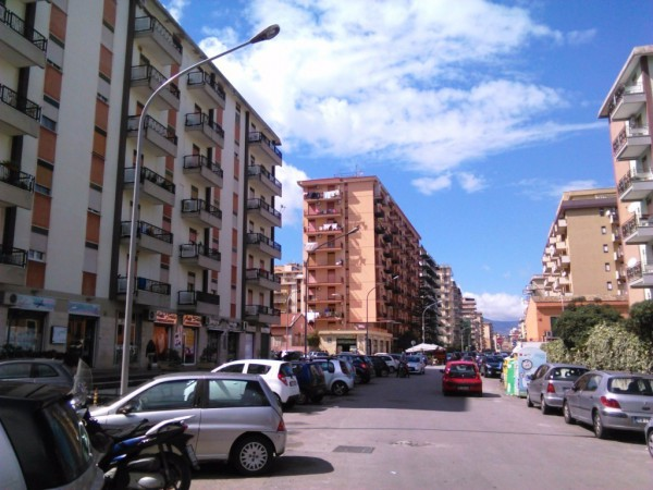 Appartamento in Vendita a Palermo Periferia: 4 locali, 130 mq