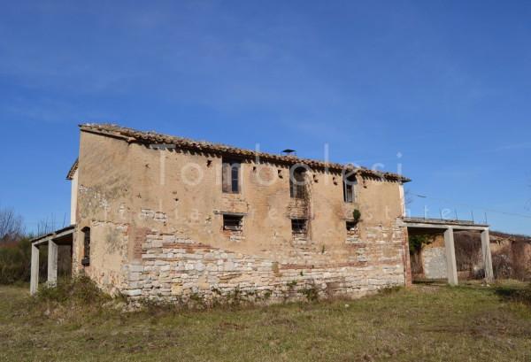 Rustico / Casale in vendita a Pergola, 6 locali, prezzo € 280.000 | Cambio Casa.it