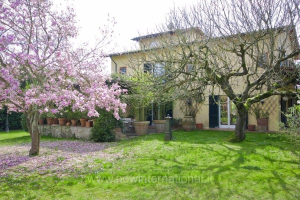 Villa-Villetta Vendita Massa