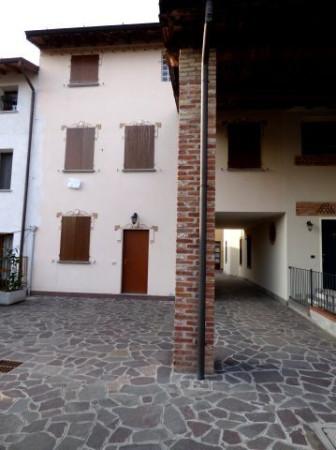 Bilocale Palazzo Pignano Via Castellazo 4