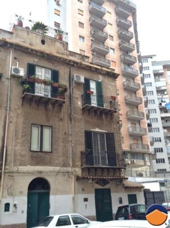 Bilocale Palermo Via Dei Leoni 1