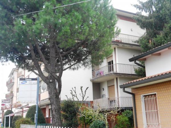 Appartamento in vendita a Forlì, 4 locali, prezzo € 125.000 | Cambio Casa.it