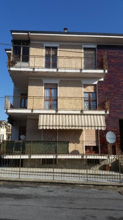 Appartamento in vendita a Villanova Mondovì, 4 locali, prezzo € 130.000 | CambioCasa.it